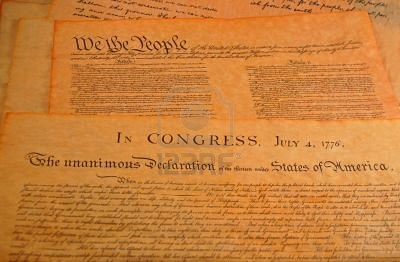 an overview of the declaration of independence and constitution Constitution vs declaration of independence so, we have been talking about the constitution, but i want to make sure you know the differnce between the two.
